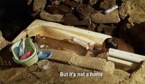 jalanan movie bath tub